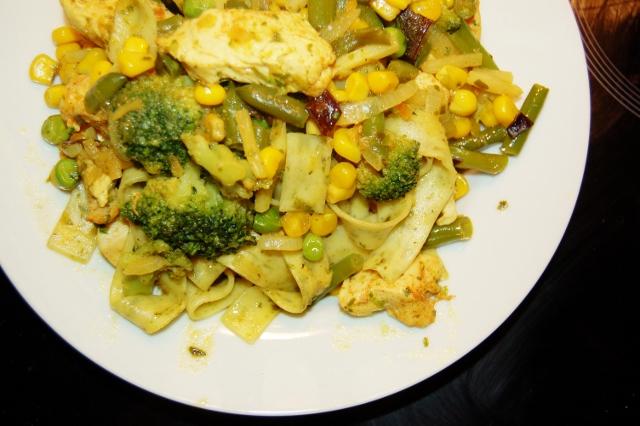 kurczak z zielonymi chrupiącymi warzywami