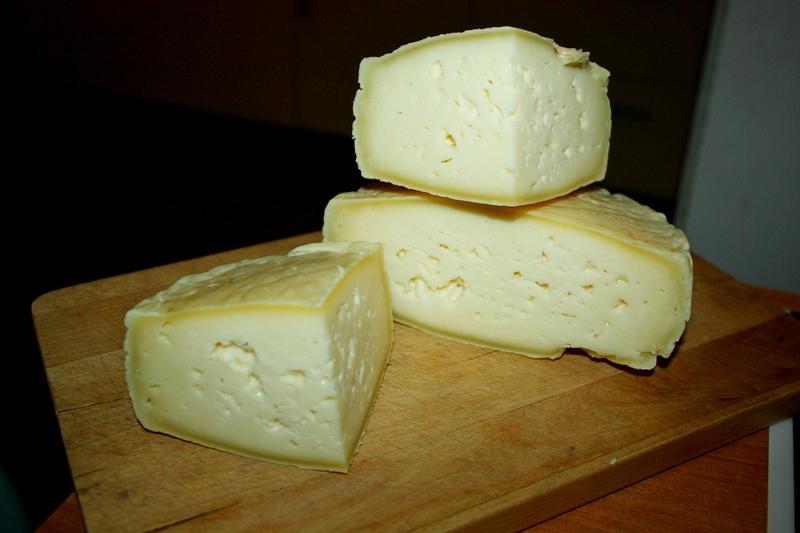 domowy ser żółty caciotta