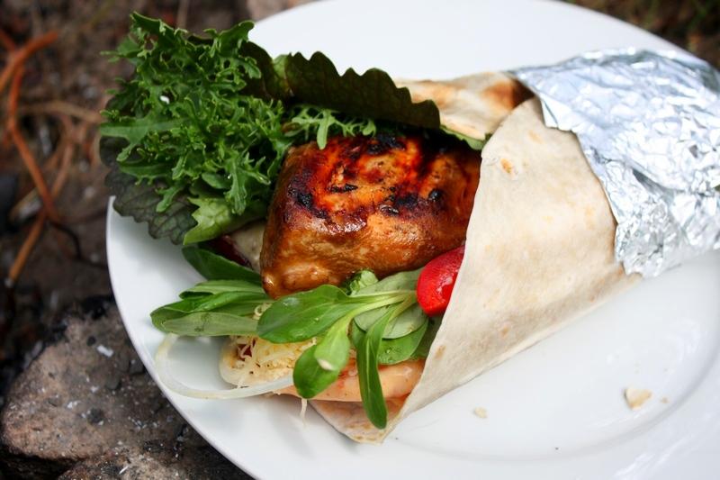Grillowana tortilla z kurczakiem teriyaki