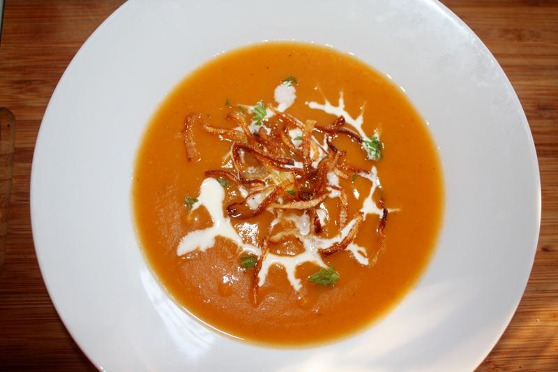 bałkańska zupa dyniowa