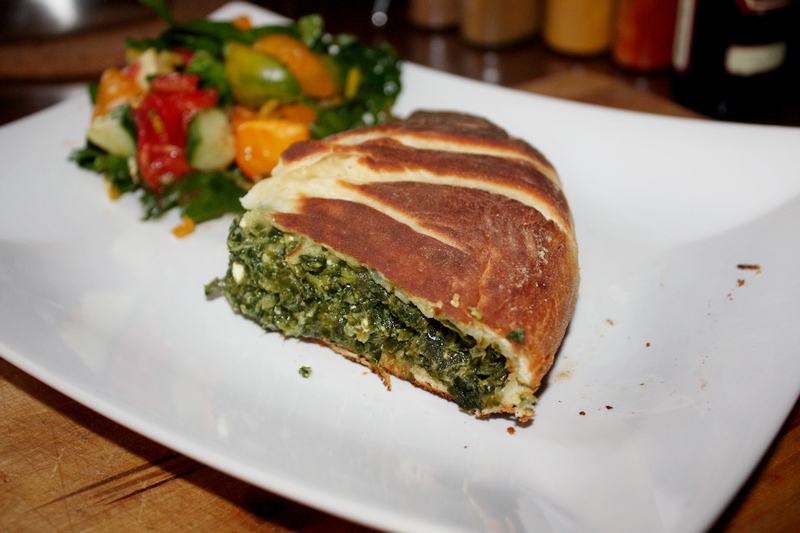 Gruzińskie chaczapuri ze szpinakiem